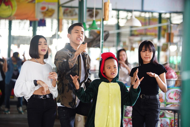 เบิ้ล ปทุมราช อาร์สยาม ถ่าย MV เพลงหน้าโหดโหมดคิตตี้